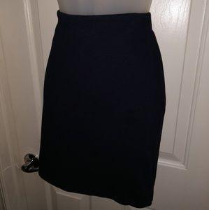 Old Navy knit mini skirt in navy blue medium